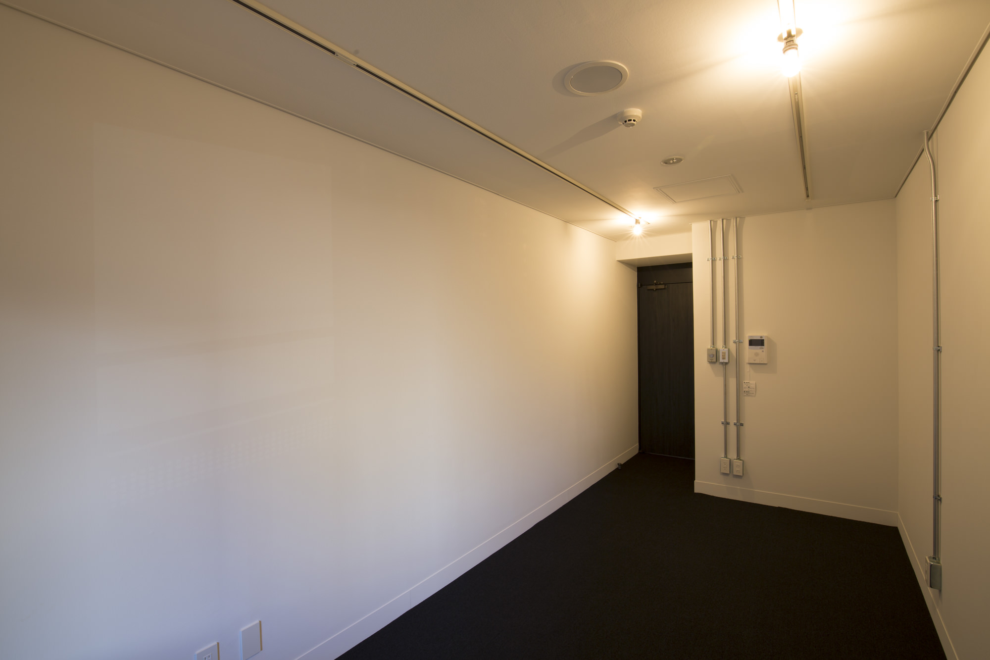office 14㎡台~16㎡台 床:タイルカーペット 天井:有