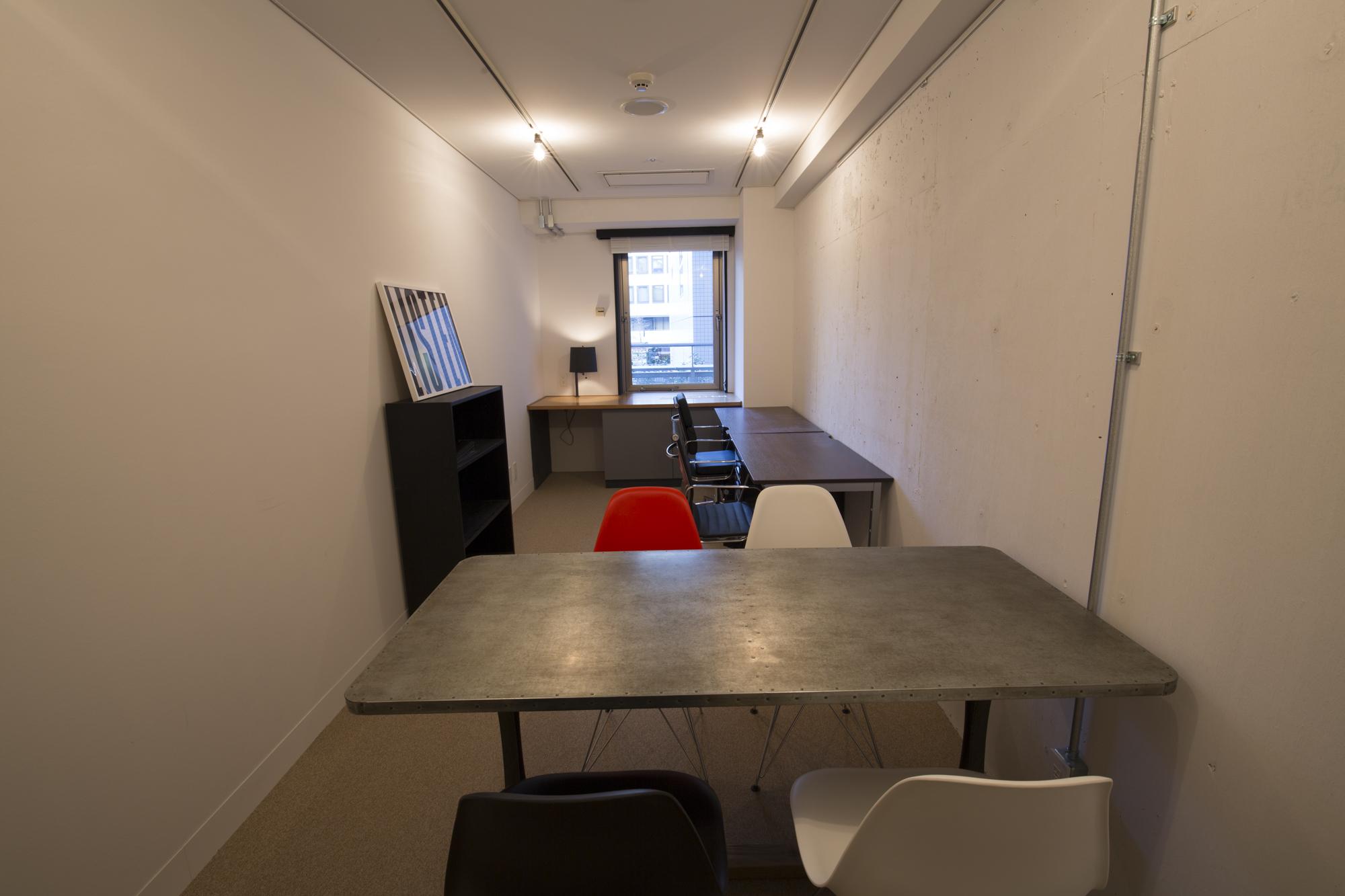 office 14㎡台~16㎡台 床:躯体表し,クリア塗装 Layout image